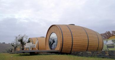 Douro: quem quer dormir em pipos gigantes de vinho?
