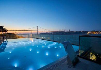 A piscina portuguesa mais fotografada está de volta