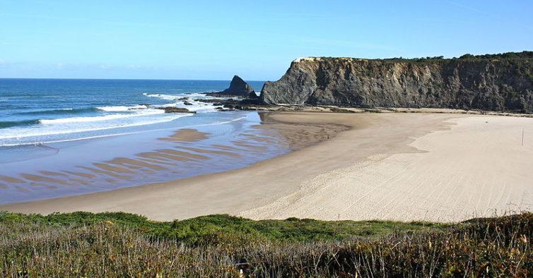 """Esta praia portuguesa é um """"tesouro secreto"""", diz a European Best Destinations"""