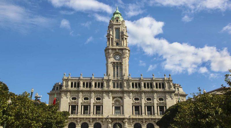 Câmara do Porto suspende pagamento dos parquímetros em toda a cidade