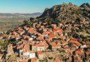 Cascatas, gárgulas e lojas com duendes: Desvendar os segredos das aldeias históricas